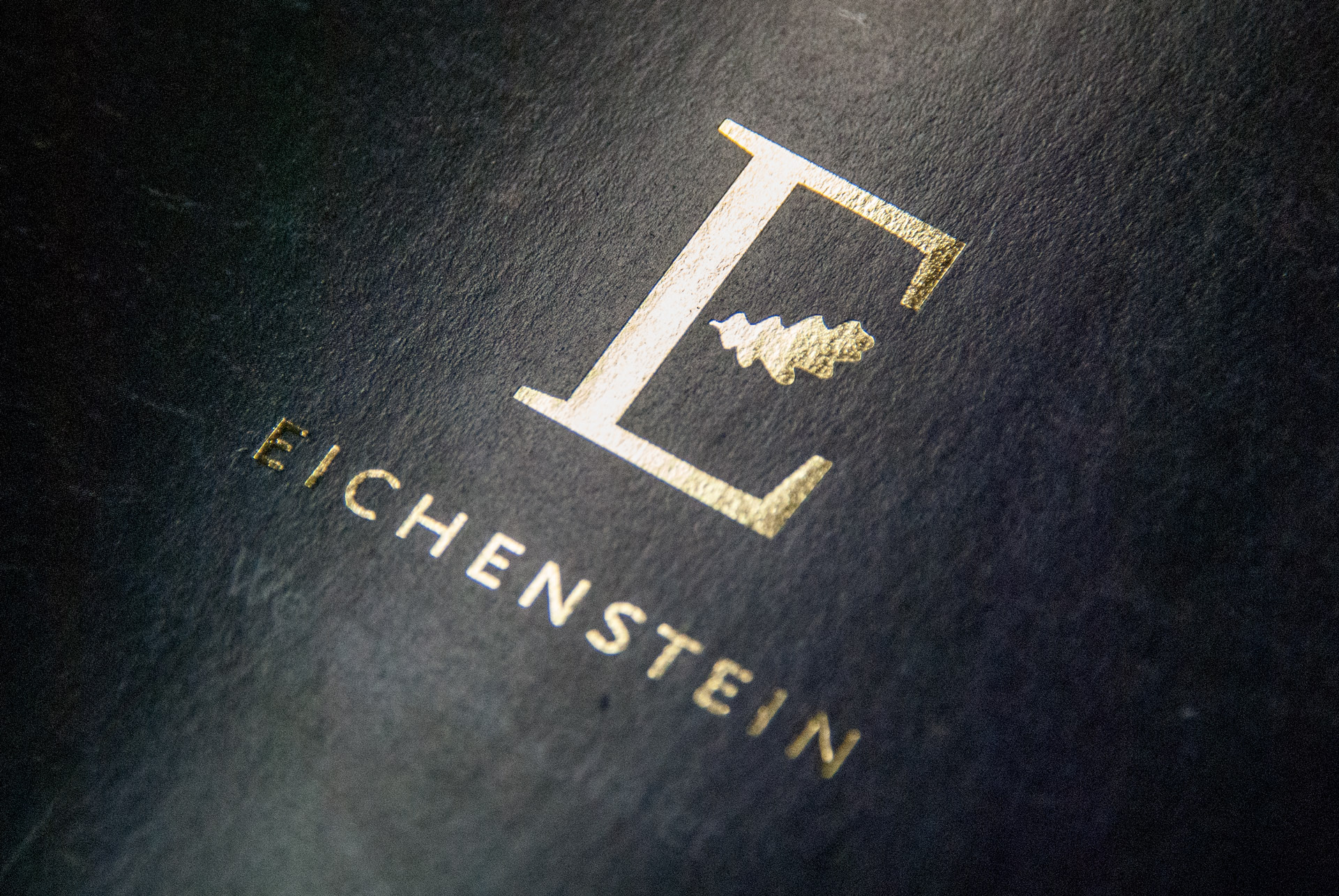 Eichenstein Folienprägung